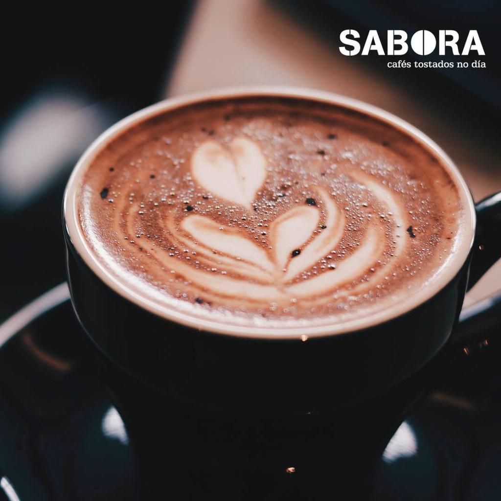 O café con leite achega calorías