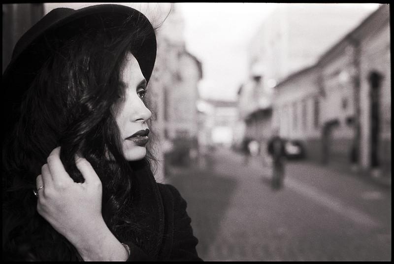 Leica + Minolta 40mm Portrait