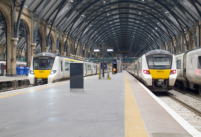 Thameslink 700 021 + 700 018 London Kings Cross