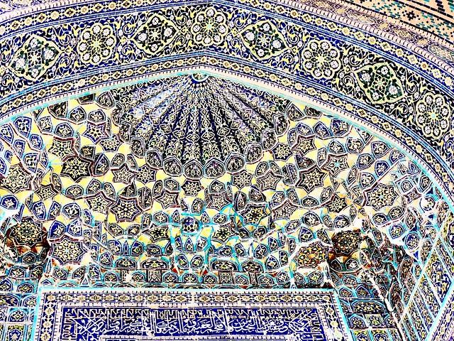 Innenansichten / interior views of mausoleums in Shah-i-Zinda, Uzbekistan