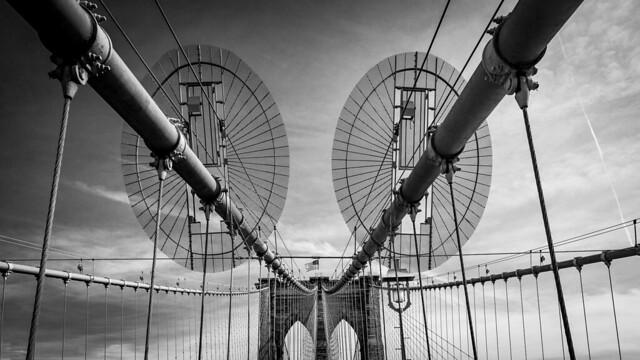 Brooklyn Bridge, monochrome