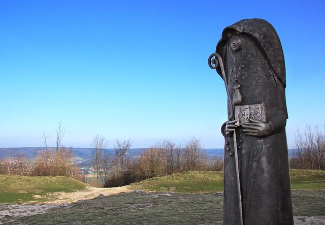 Bronzestatue der Heiligen Walburga IMG_3750 (explored)