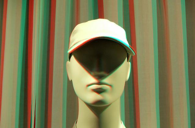 Cap in 3D stereo anaglyph TTW