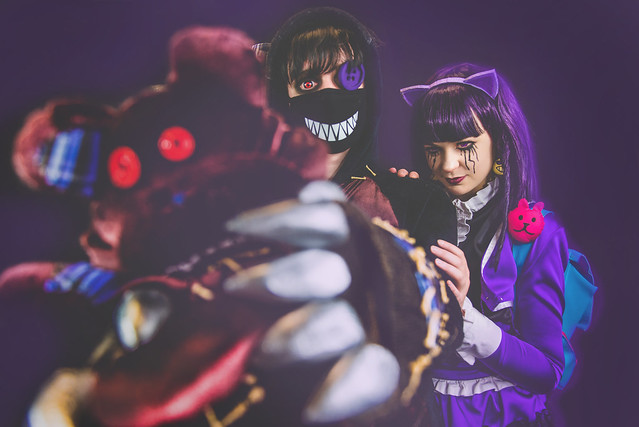 Goth Annie and Tibbers cosplay