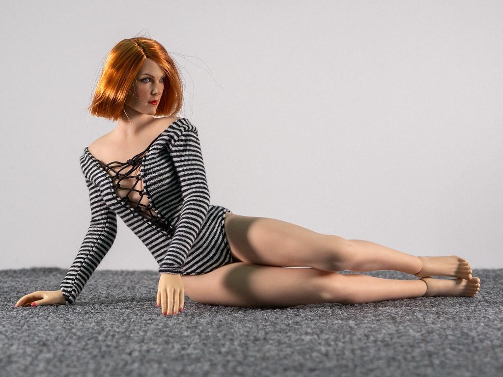 Phicen Female Posing Guide 49704833443_0fcf14792f_b