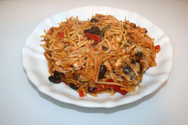 Chicken pasta bake with home made salsa - Leftovers III / Hähnchen-Spaghetti-Auflauf mit hausgemachter Salsa - Reste II