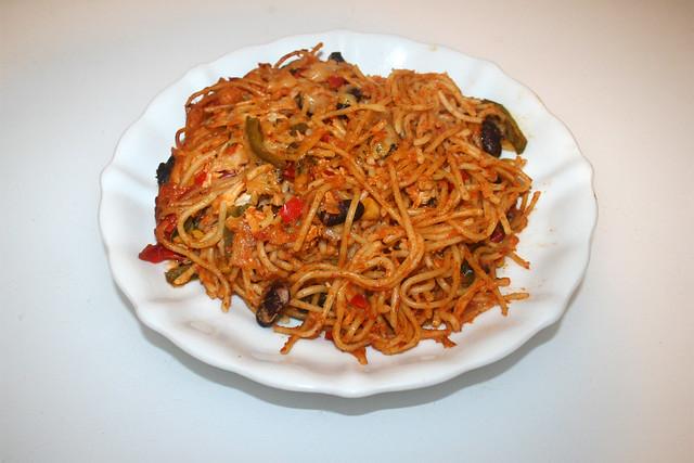Chicken pasta bake with home made salsa - Leftovers II / Hähnchen-Spaghetti-Auflauf mit hausgemachter Salsa - Reste III