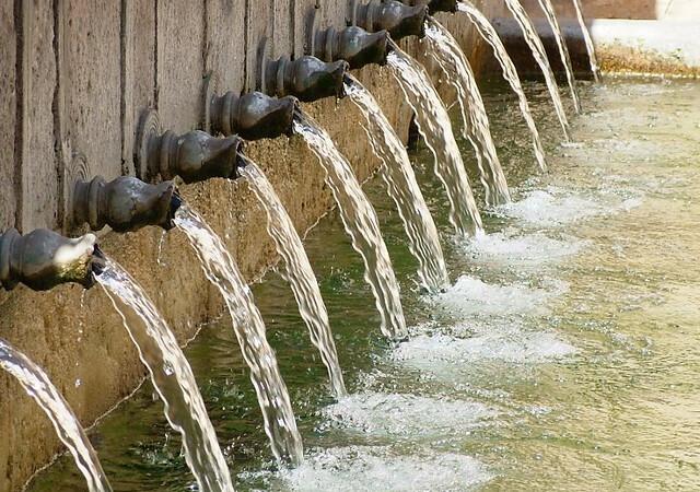 Fuente de los doce caños en Brihuega (Guadalajara)