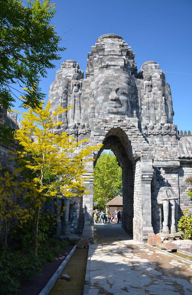 Indonesian World | In The Kingdom of Ganesha, één van de ...