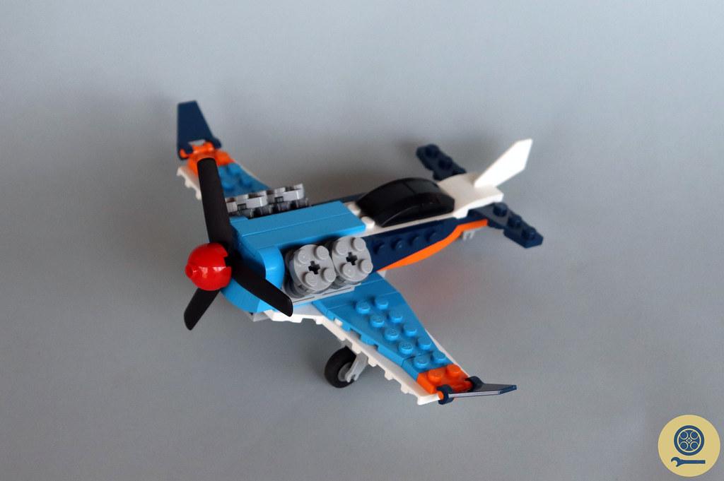 31099 Propeller Plane 1