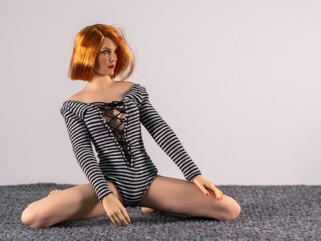 Phicen Female Posing Guide 49705364531_1234c8610c_b