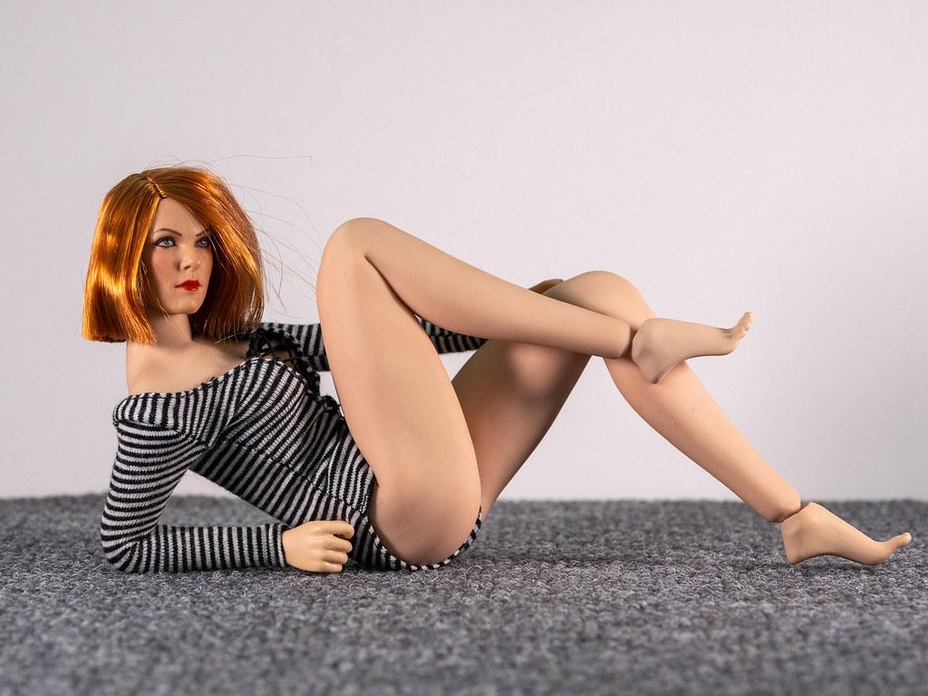 Phicen Female Posing Guide 49705365411_36c645d9bb_b