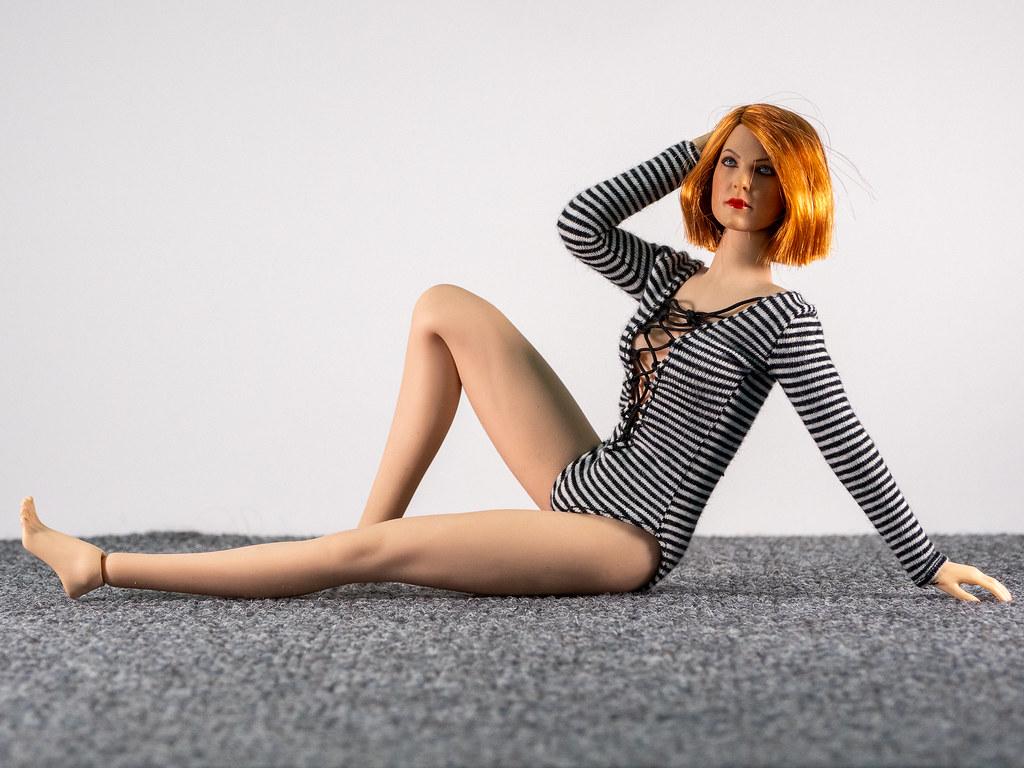 Phicen Female Posing Guide 49705366396_ebf30b53fa_b