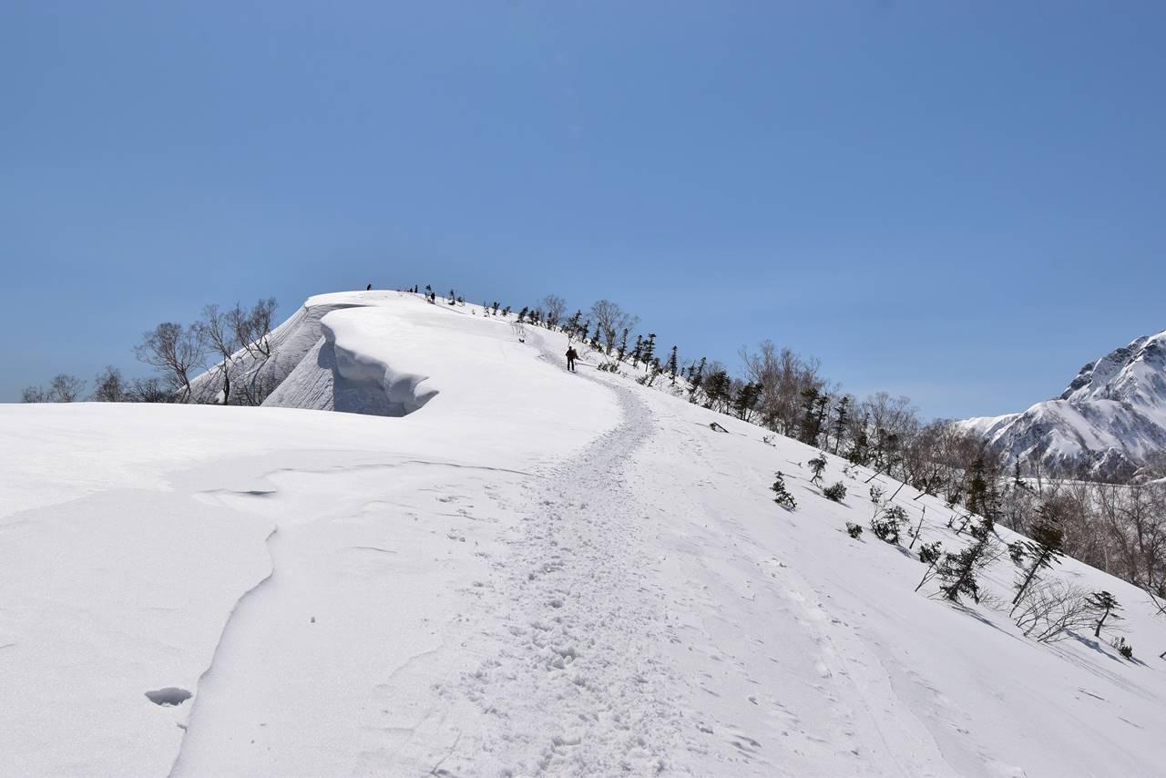 小遠見山と雪庇