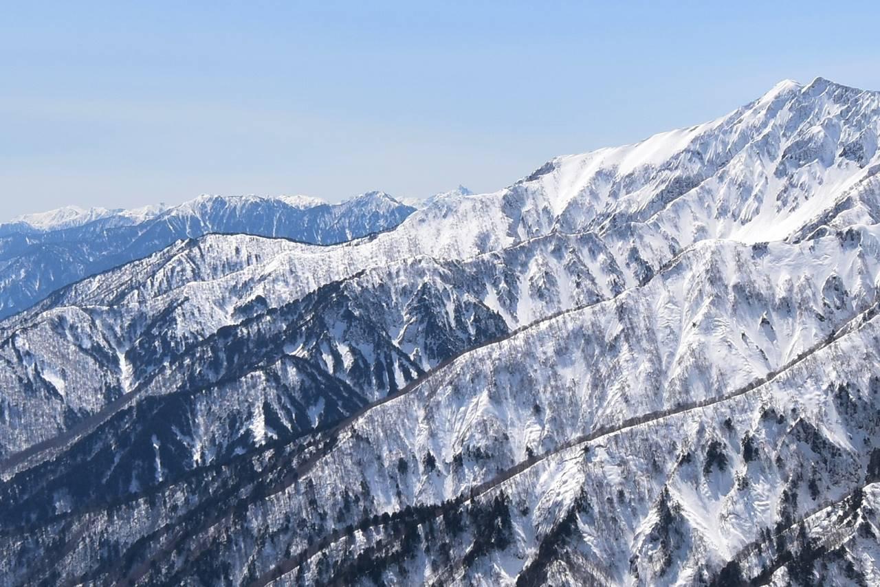 遠見尾根から眺める槍ヶ岳