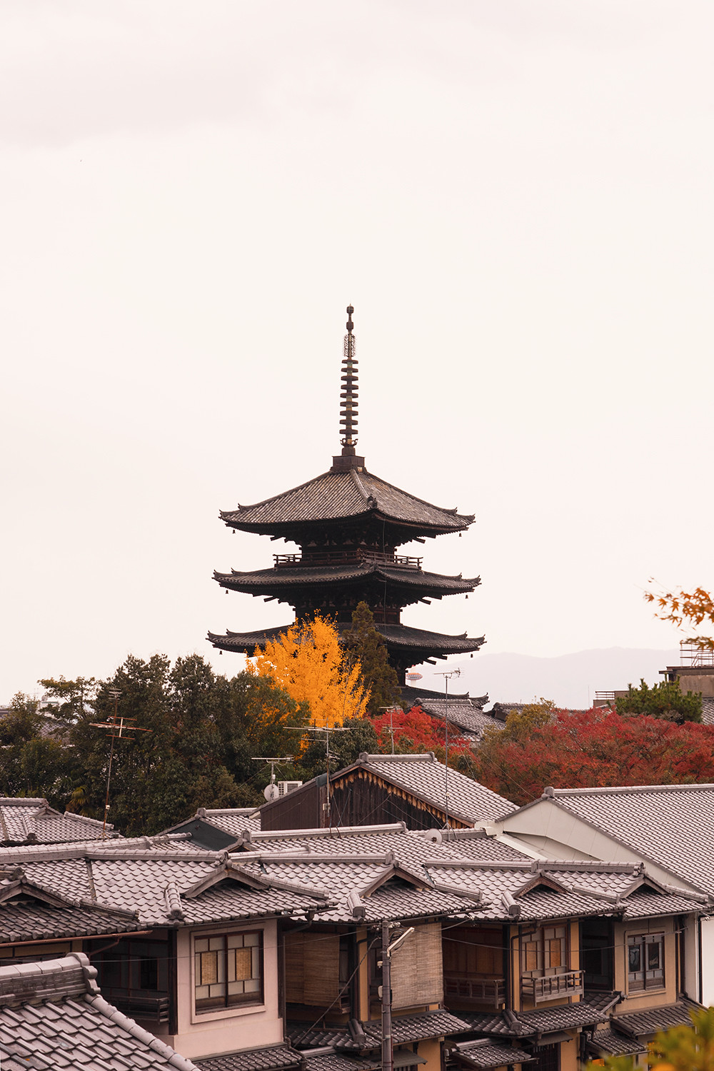 21kyoto-gion-pagoda-architecture-japan-travel