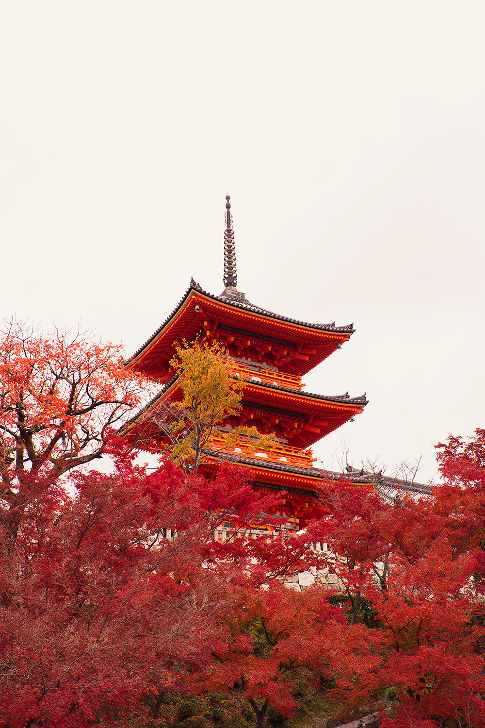 16kyoto-kiyomizudera-pagoda-autumn-japan-landscape-architecture-travel