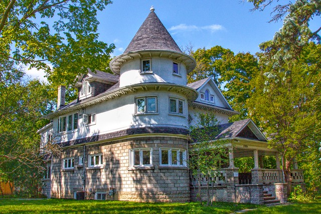 Aurora Ontario - Canada - Poplar Villa - The Chateau 1912