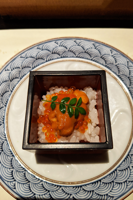 49kyoto-japan-torataro-uni-food-travel