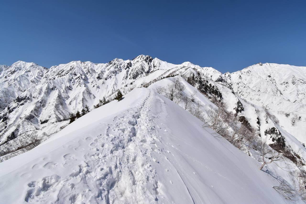 遠見尾根へ日帰り雪山登山