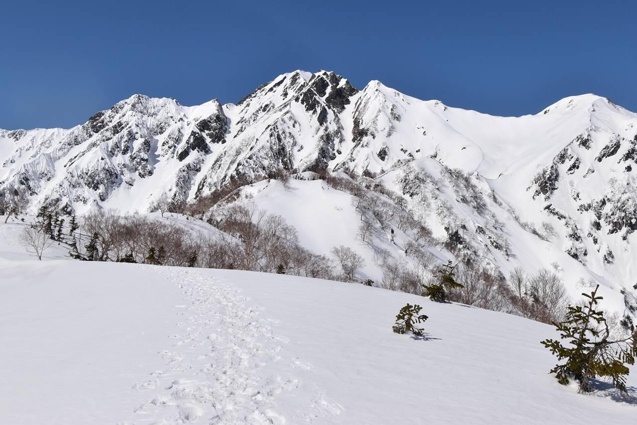 五竜岳と武田菱