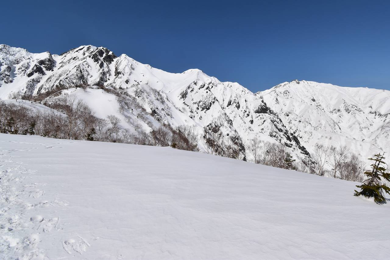 3月の五竜岳と唐松岳
