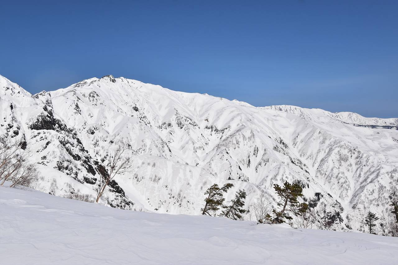 冬の唐松岳と八方尾根