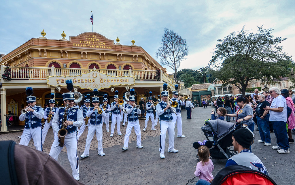 Disneyland Band Golden Horseshoe DL
