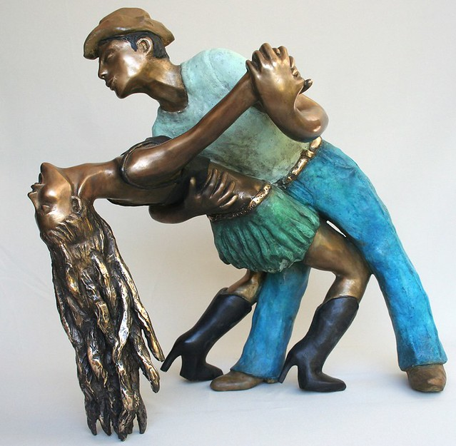yolanda antal יולנדה אנטל פסלת פיגורטיבית אמנית ישראלית פסלי נשים ברונזה פסל אישה בברונזה פיסול נשי פסלים מצויירים אומנית עכשווית מודרנית ציירת