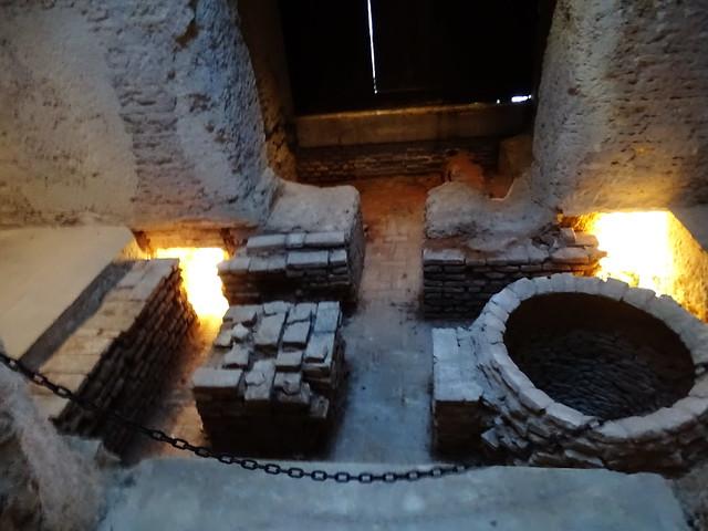 sala Caliente y calderas Baños arabes La Mezquita El Alcazar de Jerez de la Frontera Cadiz 02