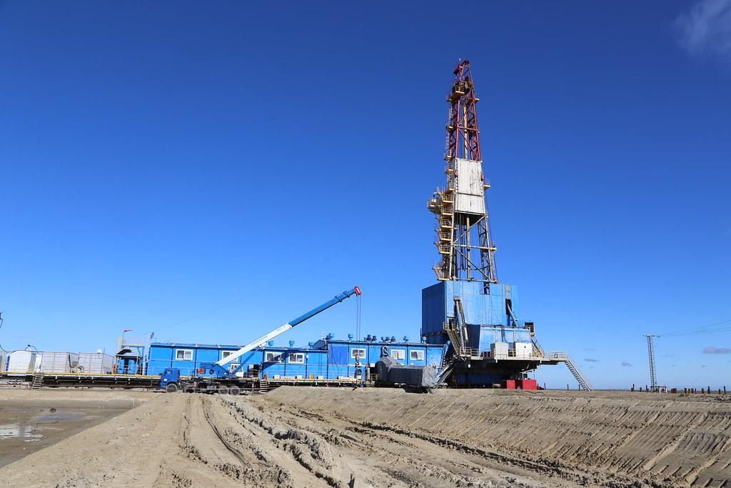 Теперь в Америке некоторые нефтяники уже доплачивают за свою нефть, лишь бы её IMG_3669