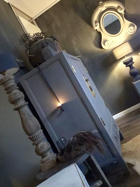Chinese bruidskast balusterlamp ossenoogspiegel