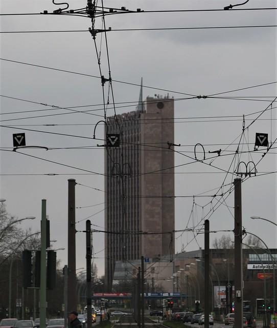 1992/94 Berlin Pyramide 100mH/23Et. Geschäftshaus von Regina Schuh Rhinstraße/Landsberger Allee 366 in 12681 Lichtenberg