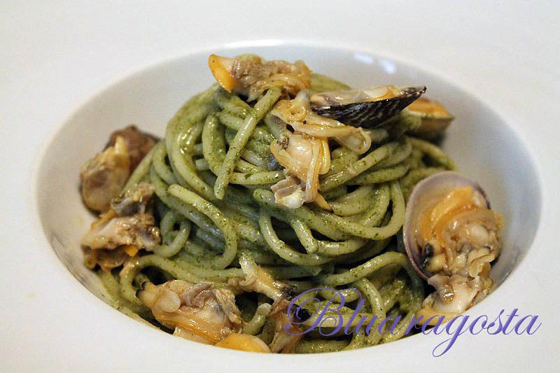 03-spaghetti vongole e salsa di agretti