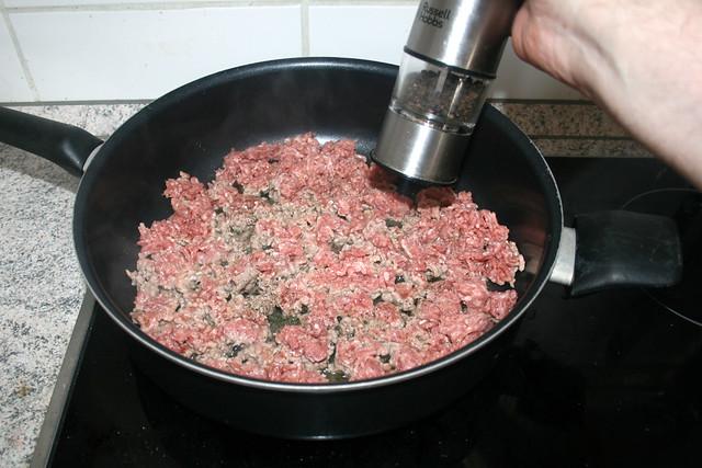 12 - Mit Salz & Pfeffer würzen / Season with salt & pepper