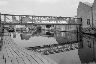 Kingsland Basin, Regent's Canal, Hackney 86-7c-26_2400