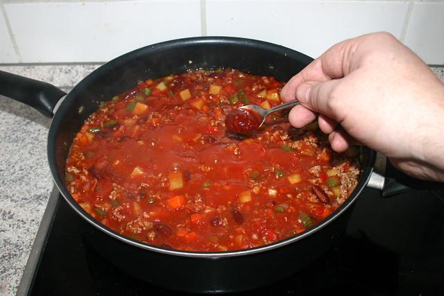 31 - Sambal Olek unterheben / Stir in sambal olek