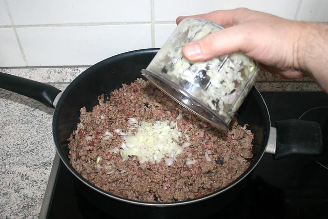 18 - Zwiebeln addieren / Add onions