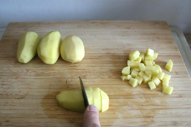 08 - Kartoffeln würfeln / Dice potatoes