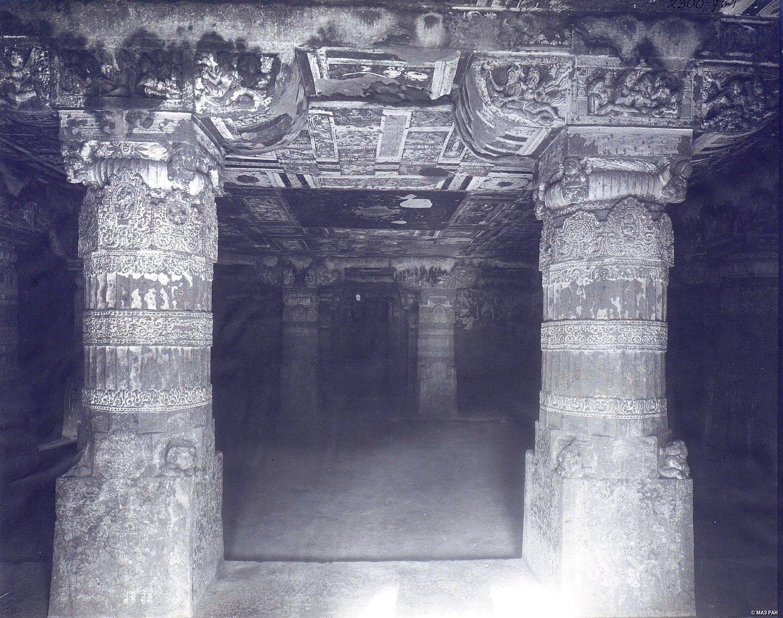 Аджанта (внутренний вид второй пещеры)