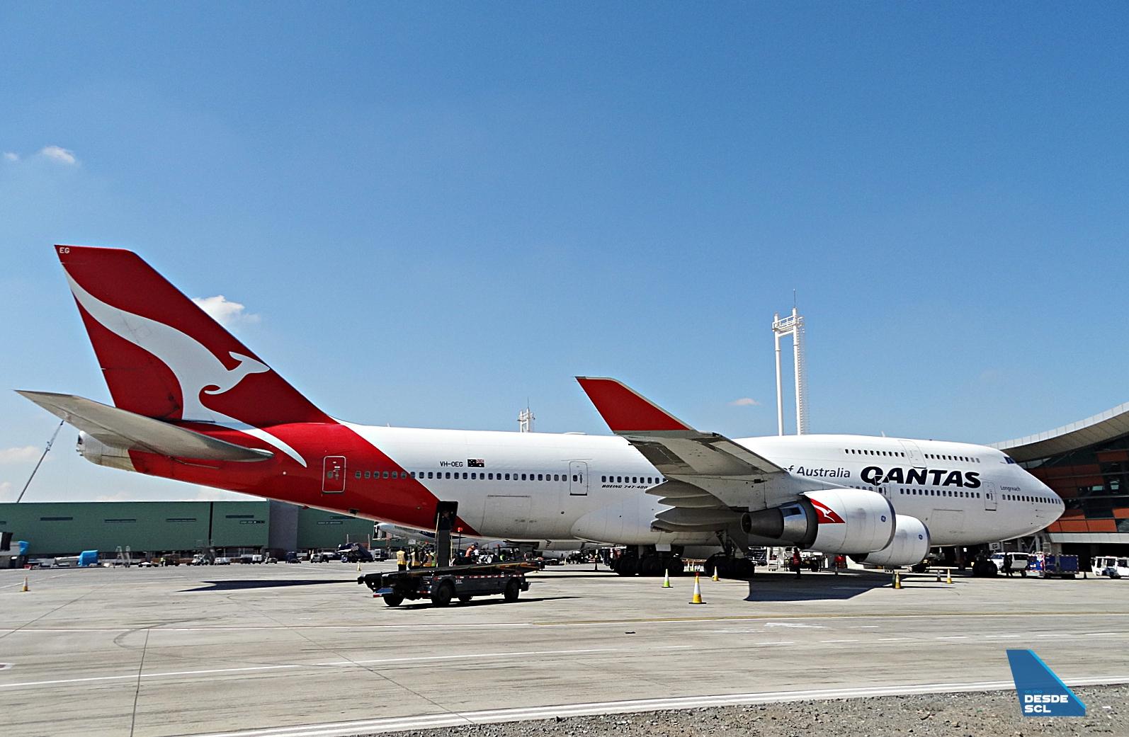 Qantas B747-400ER gate SCL 2019 (RD)