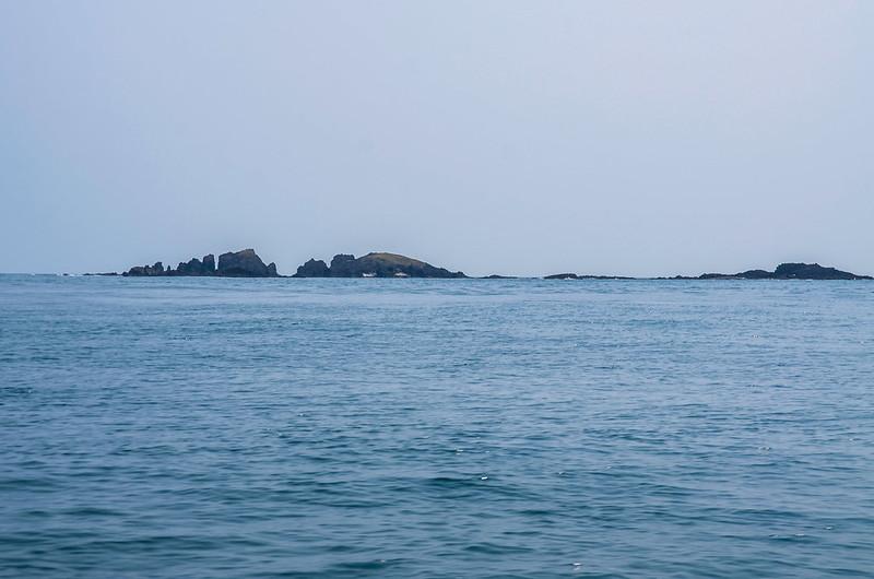 錠鉤嶼西邊海域東望錠鉤嶼