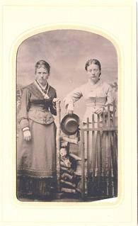 Lina and Anna Petersen