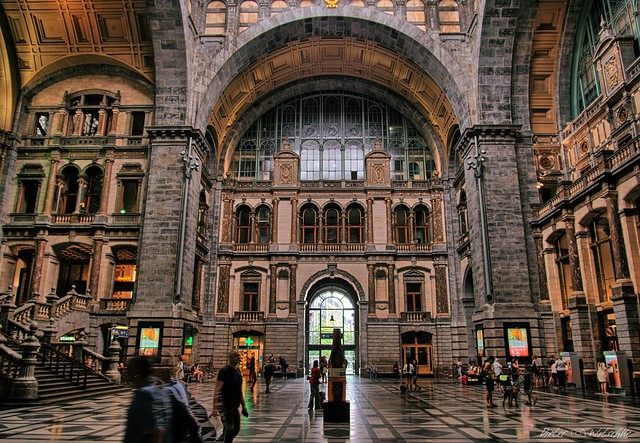 Antwerp - railway station (5)