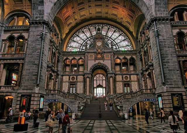 Antwerp - railway station (6)