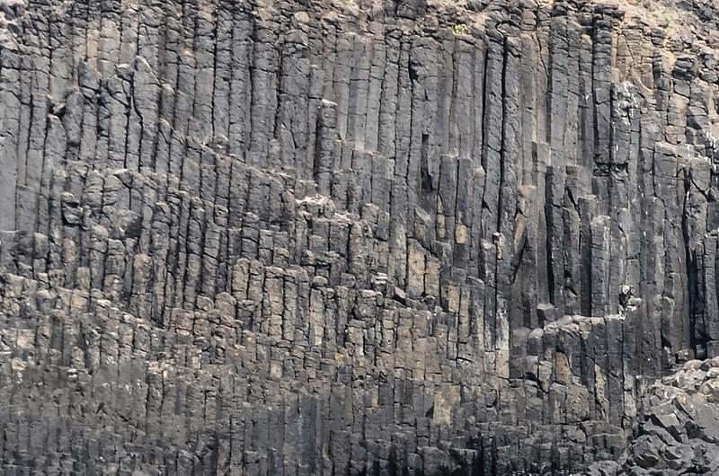 小雞善嶼垂直柱狀玄武岩