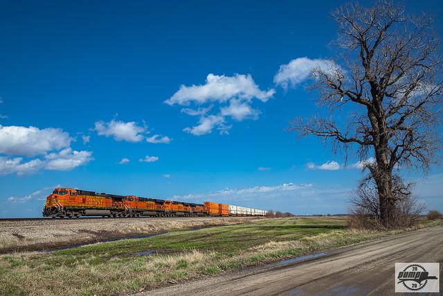 Westbound BNSF Intermodal Train at Henrietta, MO
