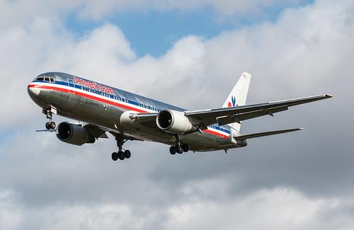 Boeing 767 - American Airlines - N358AA