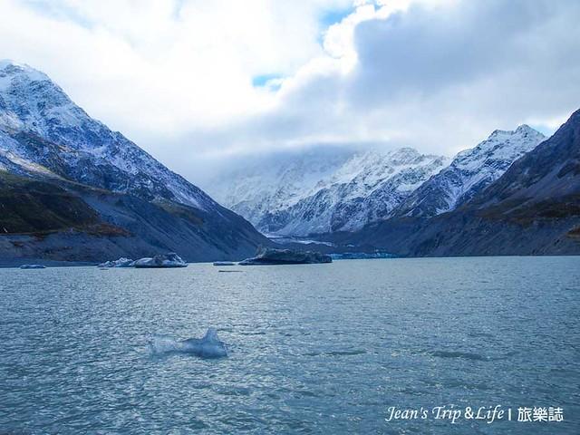 胡克湖與白雪皚皚的山景真的美不勝收