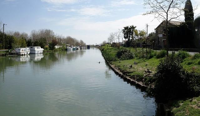 Calme plat sur le canal du Midi......